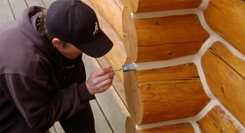 Why Log Cabin Chinking Material Needs To Be Elastic And Durable Thesmiddyhouse Home Parenting Blog